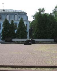 Мемориал в память о защитниках Киева, преподавателях и студентах,воевавших в годы ВОВ