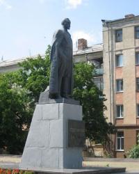 Памятник Ф.Э.Дзержинскому по ул. Оборонная в Луганске