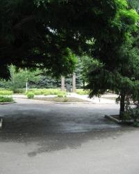Памятник ликвидаторам последствий аварии на ЧАЭС в Старобешево