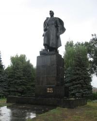 Вечный огонь и братская могила — в сквере Победы в Дружковке