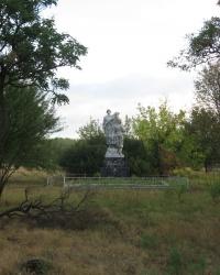 Памятник воинам-освободителям в селе Новоселовка-Вторая