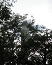 Памятник Артему (Сергееву Ф.А.) в Славянске