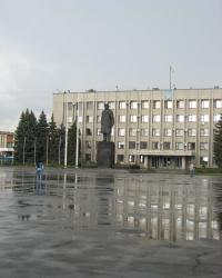 Памятник Ленину на центральной площади Славянска