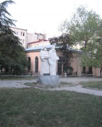Памятник братьям Айвазовским в Симферополе