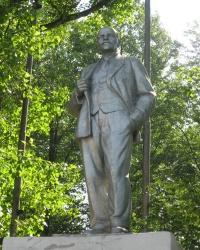 Памятник Ленину по ул.Заводской,3 в Дебальцево