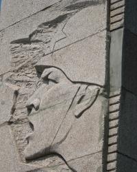 Памятник в честь Победы над фашистской Германией в Перевальске