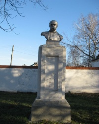Памятник Т.Г.Шевченко в Новоселовке