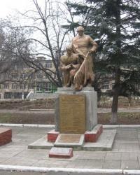 Братская могила воинов Красной Армии в Верхнеторецком