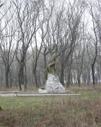 Братская могила в парке им.Горького в Горловке