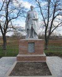 Братская могила в селе Соловьево