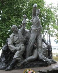 Братская могила борцов за советскую власть в Новоазовске