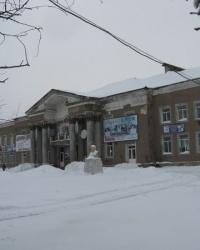 Бюст В.И.Ленина возле одноименного ДК в Торезе