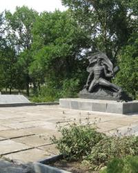 Памятник воинам-односельчанам в селе Дмитровка