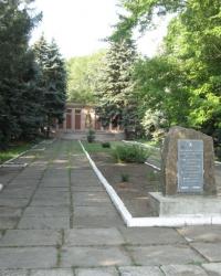 Воинский мемориал в поселке Володарское