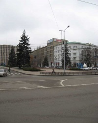 Памятник Т.Г.Шевченко в центре Донецка.