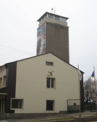 """Памятник """"Герою-спасателю"""" в Донецке."""