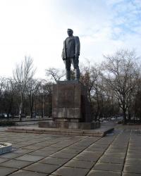 Памятник Артему (Сергееву Ф.А.) в Донецке