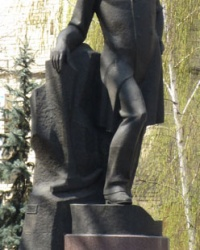 Пам'ятник О. М. Полю у Дніпропетровську