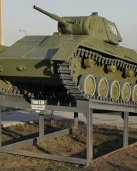 Танк Т-70 на постаменте в г.Волгограде