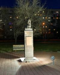 Памятник купцу В.Ф.Лапшину в г.Волгограде