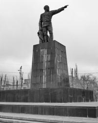 Памятник Ф.Э.Дзержинскому возле ВгТЗ в г.Волгограде