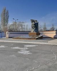 Памятник воинам Волгоградского гарнизона, погибшим в боях на территории Чечни в г.Волгограде
