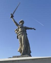 Скульптура «Родина-мать зовёт!» мемориального комплекса «Героям Сталинградской битвы» на Мамаевом кургане в г.Волгограде
