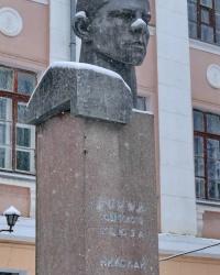 Памятник ГСС Н.Ф.Сердюкову в г.Волгограде