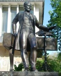 Памятник П.И.Чайковскому в г.Симферополь