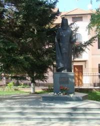 Памятник Святителю Луке (Войно-Ясенецкому) в г.Симферополь