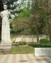 Памятник преподавателям и студентам Крымского медицинского института