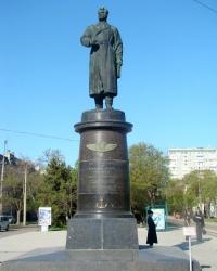 Памятник Н.А.Токареву в г.Евпатория.