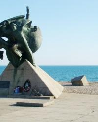 Памятник морякам Евпаторийского десанта 1942 года