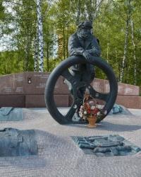 Памятник автомобилистам в г.Москве