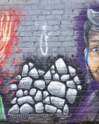 Граффити «Музыка возрождает мир» в Донецке