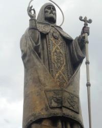 Памятник святителю Митрофану в г.Воронеже