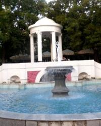Ротонда с фонтаном в парке имени 1-го Мая в г.Ростове-на-Дону