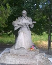 Памятник воинам-односельчанам в п.г.т.Михайловка