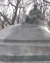 Памятник Т. Г. Шевченко в г.Ромны