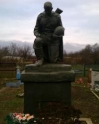 Памятник погибшим советским воинам в с.Широкое