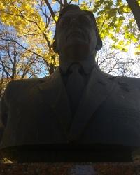 Памятник В. И. Воротникову в г.Воронеж (Ленинский район)