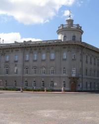 Здание бывшей губернской земской управы в Чернигове