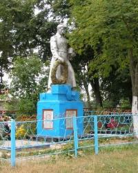 с.Ильмовка Братская могила и памятный знак погибшим односельчанам