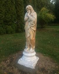с.Качанівка. Скульптура «Зима».