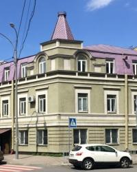 м. Київ. Будинок № 11 по вул. Ігоревській.