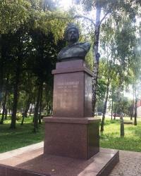 м. Ніжин. Пам'ятник Богдану Хмельницькому.