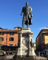 м. Флоренція. Пам'ятник генералу Манфредо Фанті.