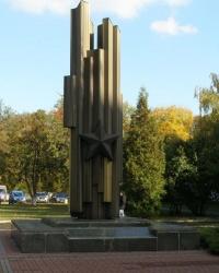 м. Київ. Пам'ятний знак загиблим студентам, викладачам і працівникам КІБІ.