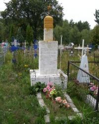с. Наумівка. Могила мол. лейтенанта О.Д.Пушкарьова.