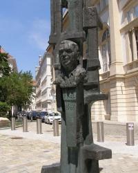 м. Відень. Пам'ятник Леопольду Фіглю.
